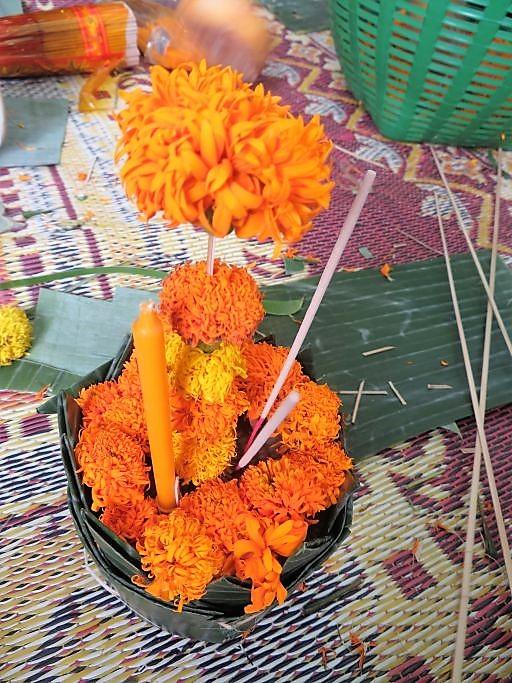 Blumengabe-fürs-Lichterfest