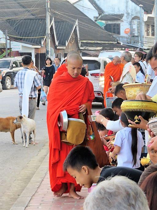 Morgengabe-für-die-Mönche