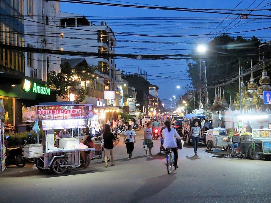 Strassenzug-in-Vientiane