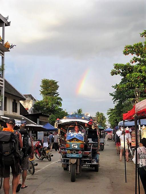 Typisches-Strassenbild-Luang-Prabang
